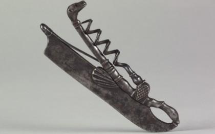 Tire-bouchon formant briquet